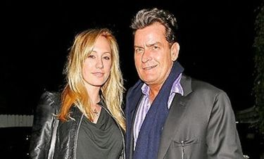 Charlie Sheen: Δείπνο με την αρραβωνιαστικιά του