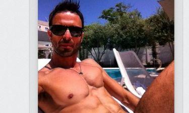 «Φέτες» στην πισίνα ο Κωνσταντίνος Χριστοφόρου