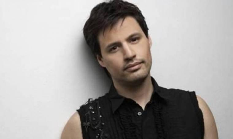 Γρηγόρης Πετράκος: Τι απαντά στα σχόλια για την συμμετοχή της Παπαθωμά στο video clip του;