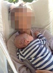 Ηθοποιός γέννησε στο πάτωμα του μπάνιου της -  Δείτε πως σχολίασε το γεγονός η Τσιμτσιλή