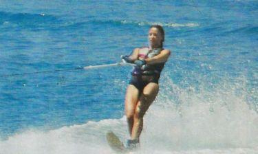 «Σκίζει» τα κύματα η...