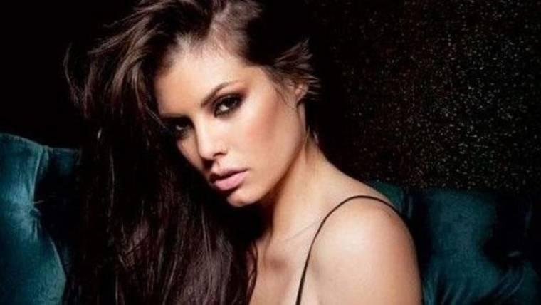 Μαρία Κορινθίου: «Δεν έχω βαρεθεί τον τίτλο του sex symbol»