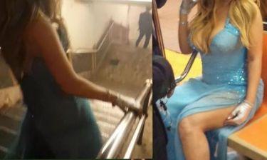 Με βραδινή τουαλέτα και ψηλοτάκουνα μπήκε στο μετρό μετά από νυχτερινή της έξοδο η…