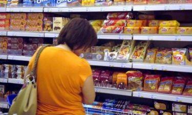 Οι τιμές πέφτουν, αλλά οι Έλληνες δεν αγοράζουν