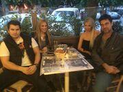Μπουράκ Χακί: «Καταπίνει» χιλιόμετρα για την αγαπημένη του