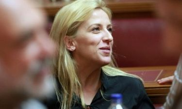 Η Ρένα Δούρου μιλάει πρώτη φορά για το σύμφωνο συμβίωσης που έχει κάνει