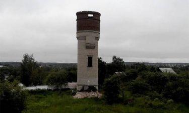Αυτό συμβαίνει όταν ερασιτέχνες προσπαθούν να γκρεμίσουν έναν πύργο 30 μέτρων (Video)