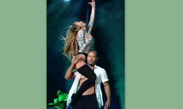 Ο Κάσπερ απάτησε την Λόπεζ κι εκείνη βγήκε με ζαρτιέρες στη συναυλία της!