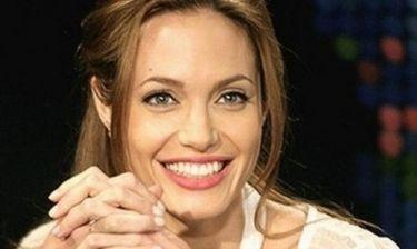 Jolie: Πόσο κοστίζει μια περιποίηση του προσώπου της;