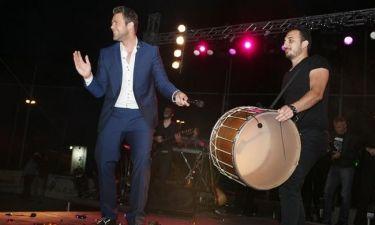 Χρήστος Χολίδης: Σε τρελά κέφια στη συναυλία του
