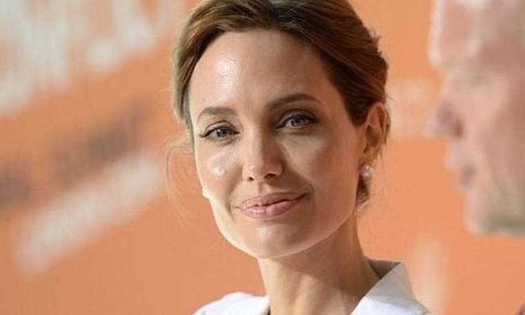 Angelina Jolie: «Δεν είναι ντροπή να είσαι θύμα βιασμού»