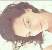 Δείτε την Υβόννη Μπόσνιακ δίχως μακιγιάζ ξαπλωμένη στο κρεβάτι της