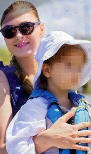 Δέσποινα Καμπούρη: Με την κόρη της στα γυρίσματα της εκπομπή της!