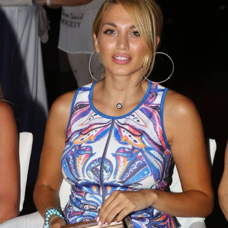 Κούκλα η Κωνσταντίνα Σπυροπούλου!