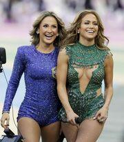 Παγκόσμιο κύπελλο ποδοσφαίρου 2014: Ποια είναι η κυρία που «έκλεψε» την παράσταση δίπλα στη Λόπεζ