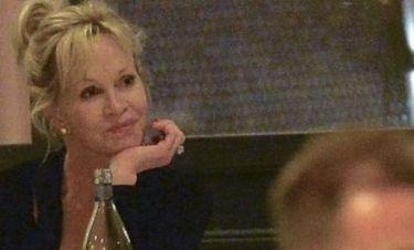 Melanie Griffith: Με ποιόν βγήκε κιόλας για ρομαντικό δείπνο;