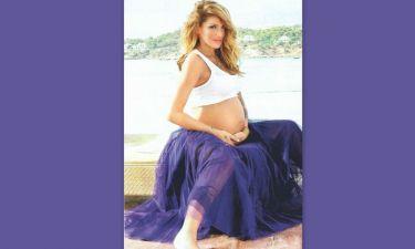 Η Αγγελική Ηλιάδη δείχνει την φουσκωμένη της κοιλιά ένα μήνα πριν γεννήσει