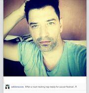 Ο Σάκης Ρουβάς αγουροξυπνημένος «ανέβασε» μια selfie φωτογραφία του!