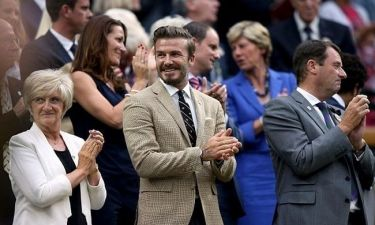 Κολάζει με νέα του φωτογράφηση ο Beckham! (φωτό)