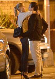 Δεν κρατιέται το ζευγάρι. «Get a room» γράφουν τα tabloids