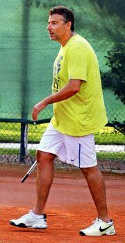 Θέλεις να σου μάθω… τένις;
