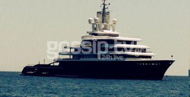 Το σκάφος του Ρόμαν Αμπράμοβιτς στη Μήλο