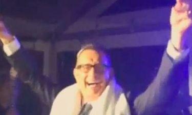 Απίστευτο γέλιο! Ο Tom Hanks χορεύει και τραγουδά ντυμένος… ραββίνος!
