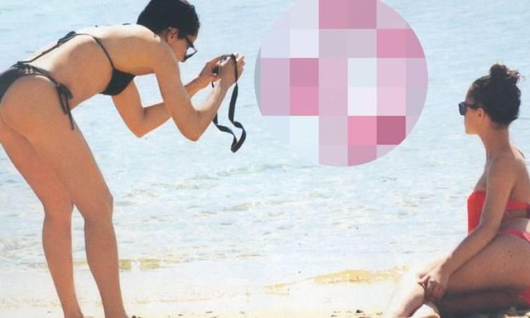 Η Ελληνίδα μάνα φωτογραφίζει την έφηβη κόρη της!