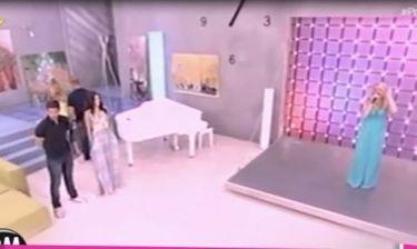 Αυτό είναι το στιγμιότυπο που η Τζένη ξεσπά σε λυγμούς on air λίγο πριν τον χωρισμό από τον Πέτρο!