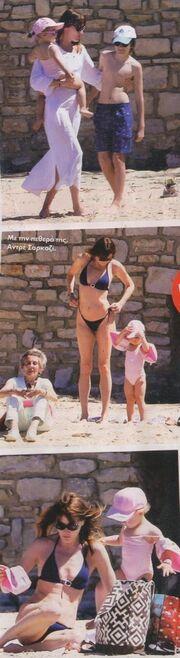 Κάρλα Μπρούνι: Στη γαλλική Ριβιέρα με τα παιδιά της