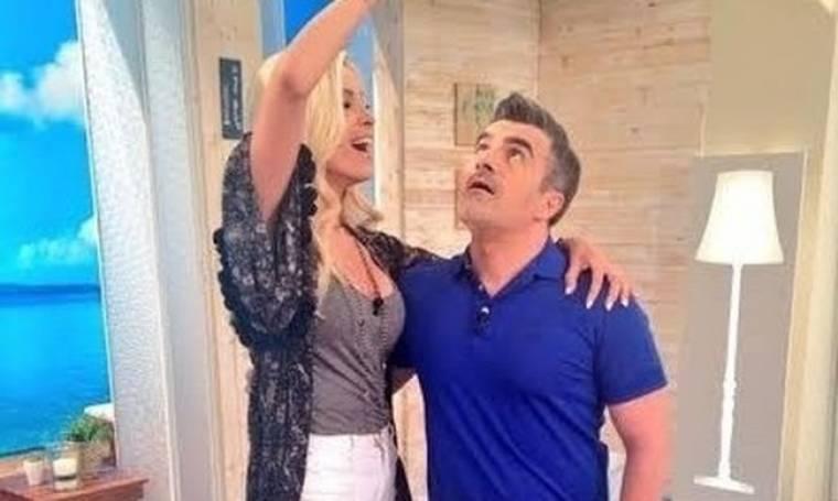 Φωτό: Δείτε πως η Καινούργιου χλευάζει τον Σταματόπουλο! (Nassos blog)