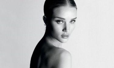 Η topless εμφάνιση της Rosie Huntington