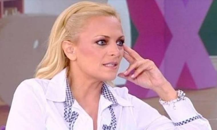 Παρασκήνιο: Το καρφί της Λαμπίρη για τη φωτογράφησή της (Nassos blog)