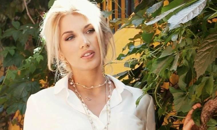 Κωνσταντίνα Σπυροπούλου: Η selfie φωτογραφία ξαπλωμένη στο κρεβάτι της που «ανέβασε» στο instagram