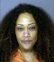 Συνελήφθη η τραγουδίστρια των Destiny's child μεθυσμένη να κοιμάται σε μια αυλή!