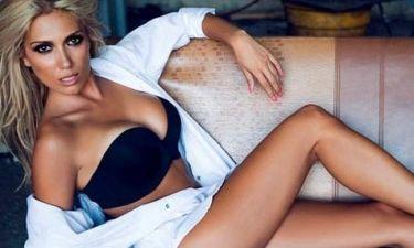 «Τρέλανε» τους διαδικτυακούς της φίλους η Έλενα Παπαβασιλείου με το καυτό σορτς της!