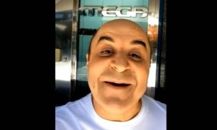 Σεφερλής: Βγάζει και selfie έξω από το Mega!