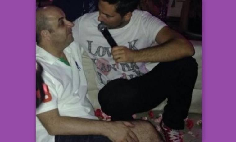 Μάρκος Σεφερλής: Διασκέδασε… τραγουδώντας σε νυχτερινό κέντρο!