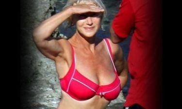 Νομίζετε ότι η Helen Mirren γυμνάζεται με τις ώρες για να έχει αυτό το κορμί στα 69 της;