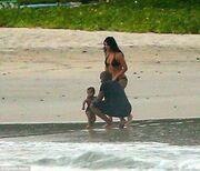 Kardashian-West: Με την κόρη τους στο Μεξικό