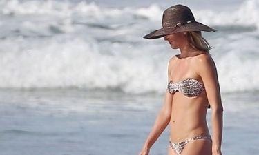 Η Ζιζέλ αναστάτωσε την παραλία- Δείτε τι έκανε
