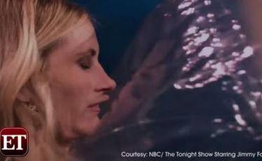 Απίστευτο! Ποιος πέταξε μπάλα στο πρόσωπο της Julia Roberts on air  σε εκπομπή!