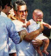 Σοφία Καρβέλα-Θανάσης Πανουργιάς: Όλα όσα έγιναν στη βάφτιση του γιου τους (φωτό)