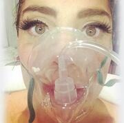 Πασίγνωστη τραγουδίστρια νοσηλεύεται στο νοσοκομείο