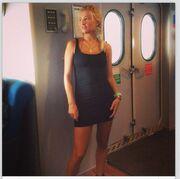 Φαίη Σκορδά: Φορά θεόστενο φόρεμα και «τρελαίνει» τους φίλους της στο Instagram!