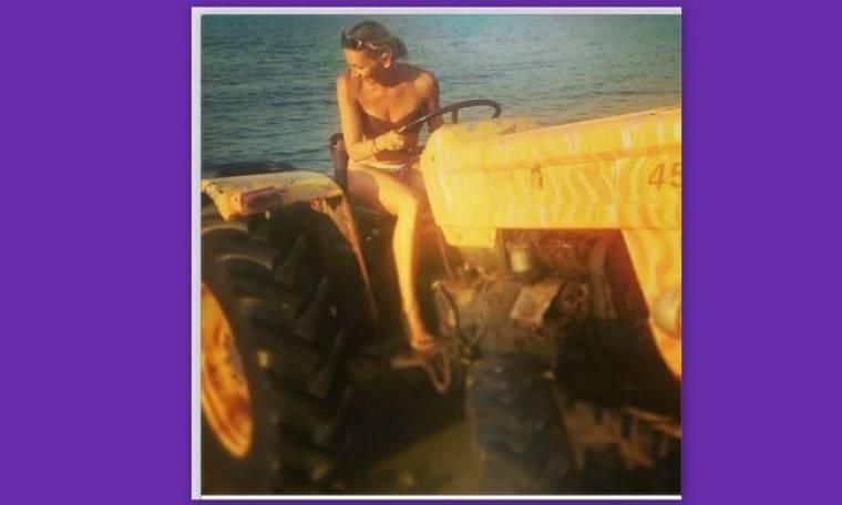 Φανή Χαλκιά: «Όργωσε» την παραλία