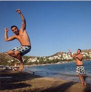 Kώστας Δόξας: Σερφάροντας στην άμμο