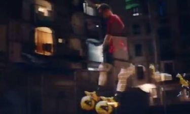 Μπαρτσελόνα: Ο Μέσι σκοράρει στα κτίρια της Βαρκελώνης (video)
