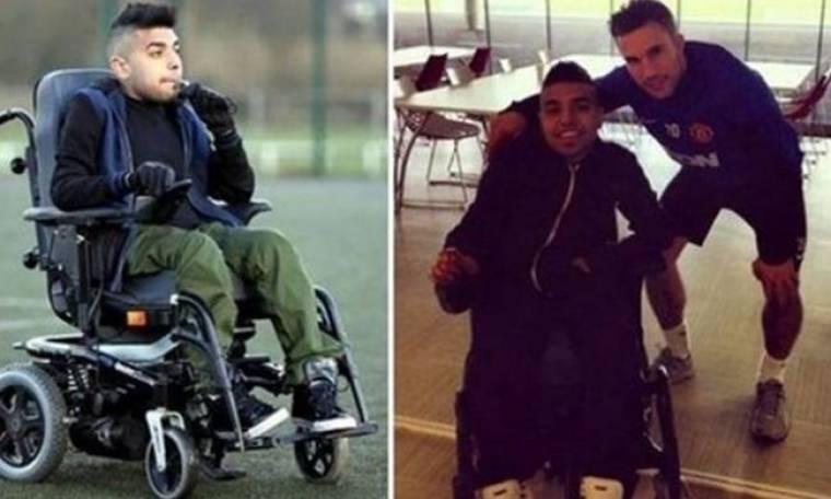 Στην Γιουνάιτεντ ο πρώτος προπονητής σε αναπηρικό καροτσάκι