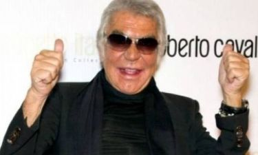 Roberto Cavalli: Δείτε το ντιζαϊνάτο σκάφος του να αλωνίζει το Ιόνιο!
